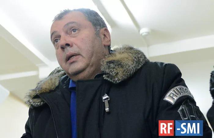 Борис Мазо под конвоем возвращается в Россию