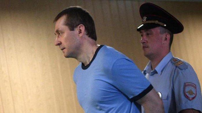 СМИ сообщили о признании экс-полковника Захарченко опасным заключенным