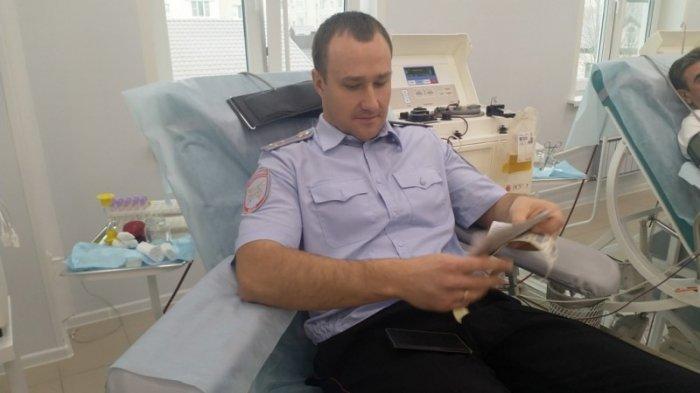 В Саратове 50 сотрудников ГИБДД сдали кровь для пострадавших в авариях