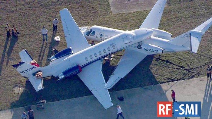 Два самолета столкнулись в Международном аэропорту Сан-Антонио