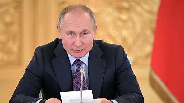 В. Путин поддержал идею увольнять госслужащих за хамство
