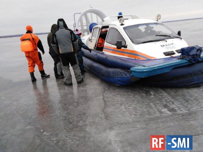 В Ивановской области откололась льдина с рыбаками