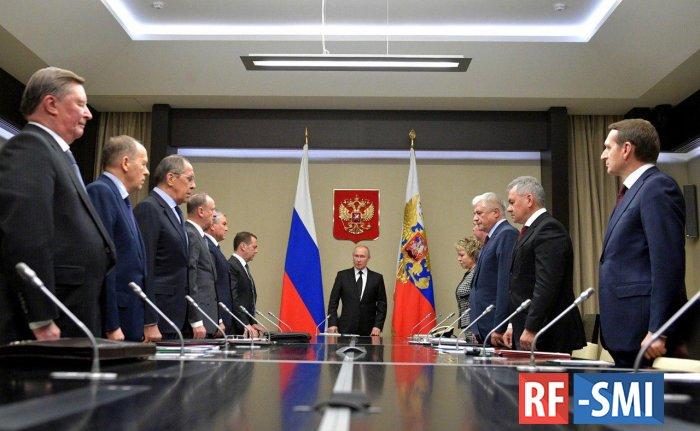 В. Путин почтил память Ю. Лужкова на заседании Совбеза России