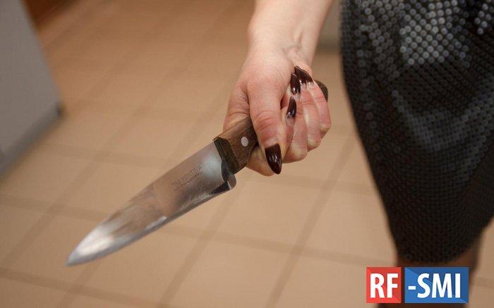 В Чебоксарах студентка напала с ножом на завуча колледжа