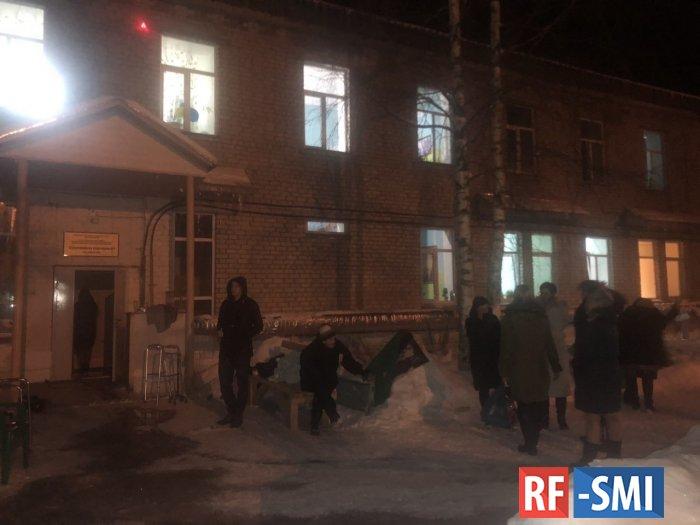 В Архангельской области загорелся дом престарелых