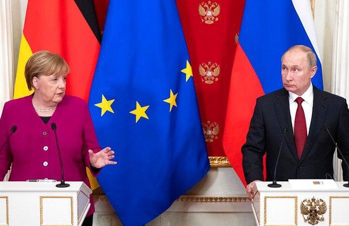 """Путин и Меркель осудили заявления о необходимости пересмотра """"Минска"""""""