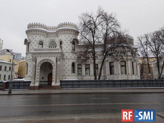 Медведев планирует переехать в особняк на Арбате