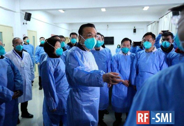 Премьер Госсовета Китая Ли Кэцян прибыл в Ухань
