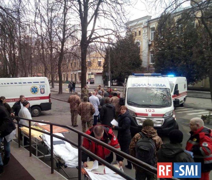 В Киев прибыл борт с тяжелоранеными бойцами ВСУ