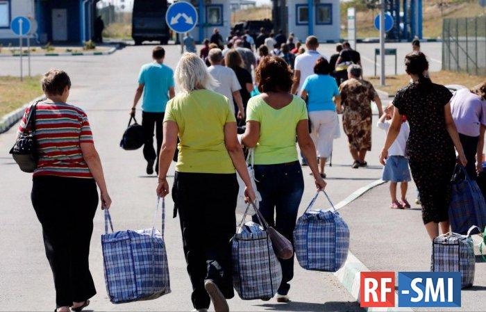 """Средняя зарплата в Украине выросла благодаря """"заробитчанам"""""""