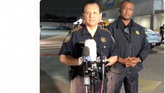В Хьюстоне застрелили полицейского Еще одного сотрудника полиции ранили