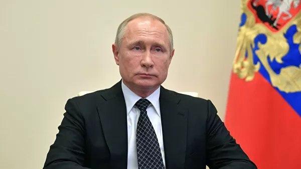 Путин подписал указ о присвоении почётных званий врачам России
