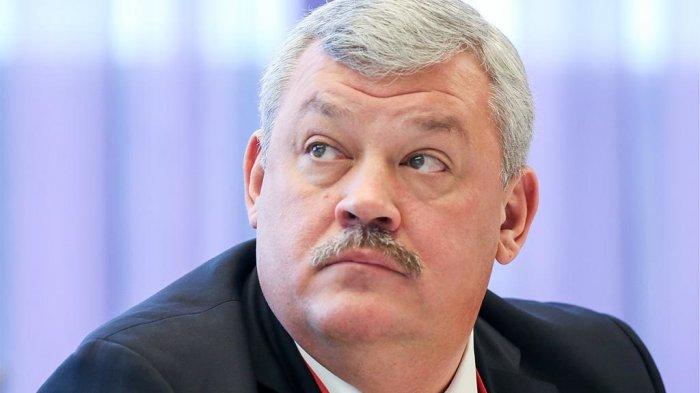 Сразу два российских губернатора подали в отставку