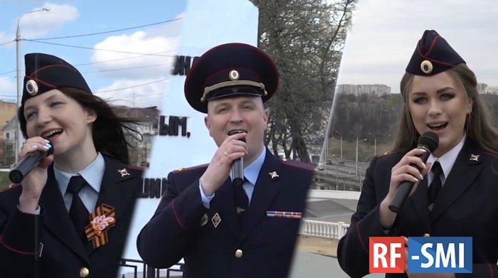 Калужские полицейские добавили праздничного настроения!