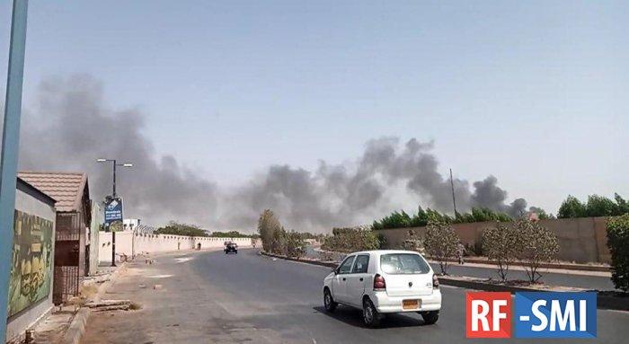 Самолет «Пакистанских авиалиний» разбился рядом с аэропортом Карачи.