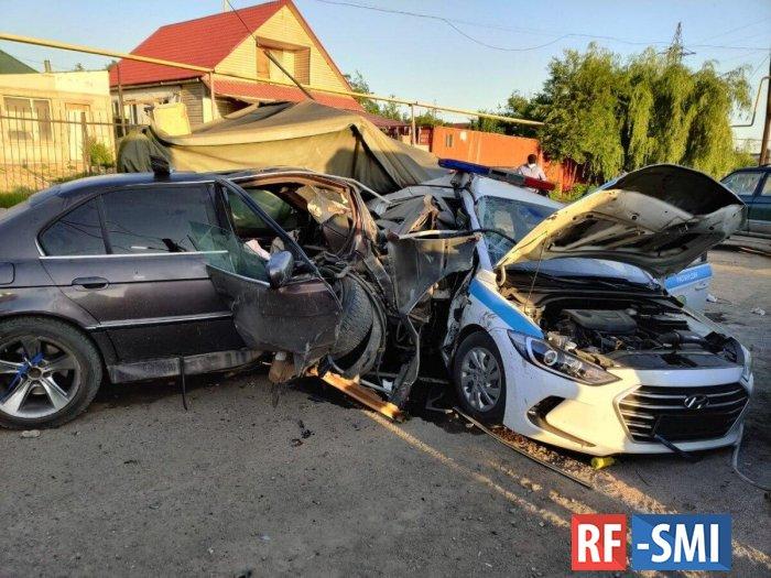 """В Алматы пьяный водитель """"БМВ"""" протаранил блокпост"""