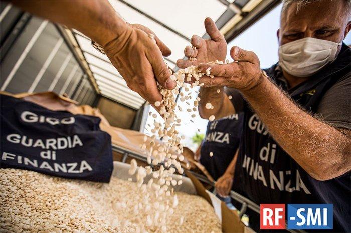 Крупнейшую в мире партию наркотиков перехватили итальянские полицейские