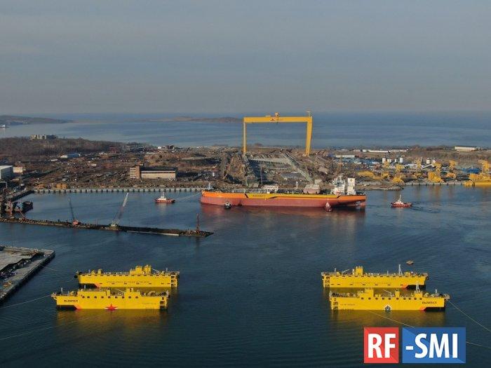 На воду спущен первый российский танкер типа «Афрамакс