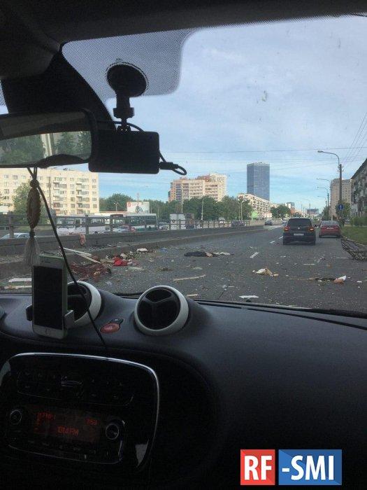 В Петербурге при попытке самоубийства женщина устроила взрыв газа