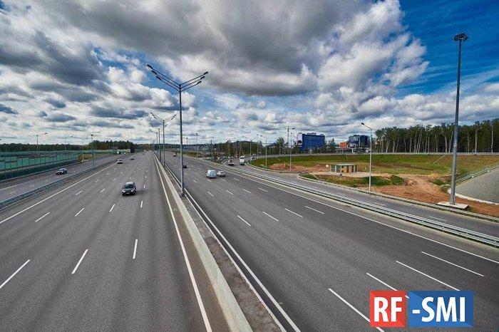 Скоростной режим на трассе, соединяющей Москву и Петербург, повысят до 130 км/ч
