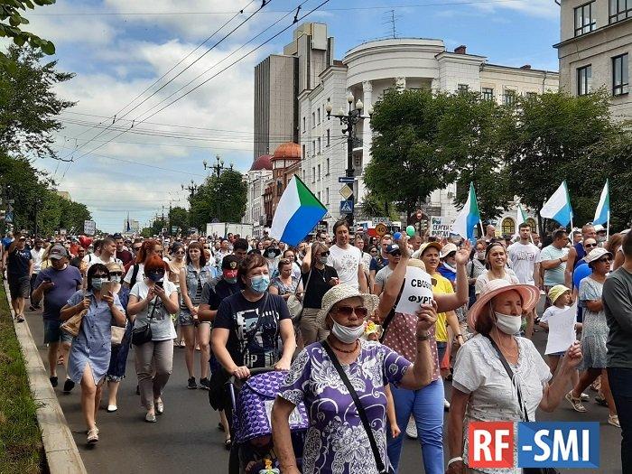 Многие хабаровчане используют на митингах детей, повторяя любимый трюк московских либералов