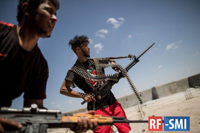 Бандиты ПНС Ливии расстреляли толпу протестующих в Триполи
