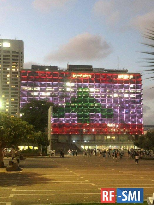 Мэрию Тель-Авива подсветили цветами флага Ливана в знак солидарности