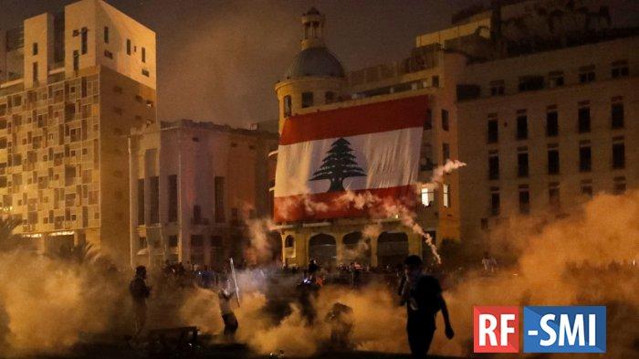 В Бейруте начались протесты и столкновения с полицией