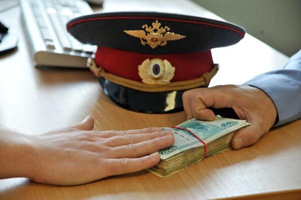 В Сыктывкаре двух полицейских осудили за превышение должностных полномочий