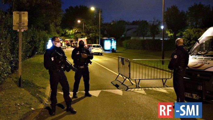15 человек задержаны в ходе расследования убийства учителя под Парижем