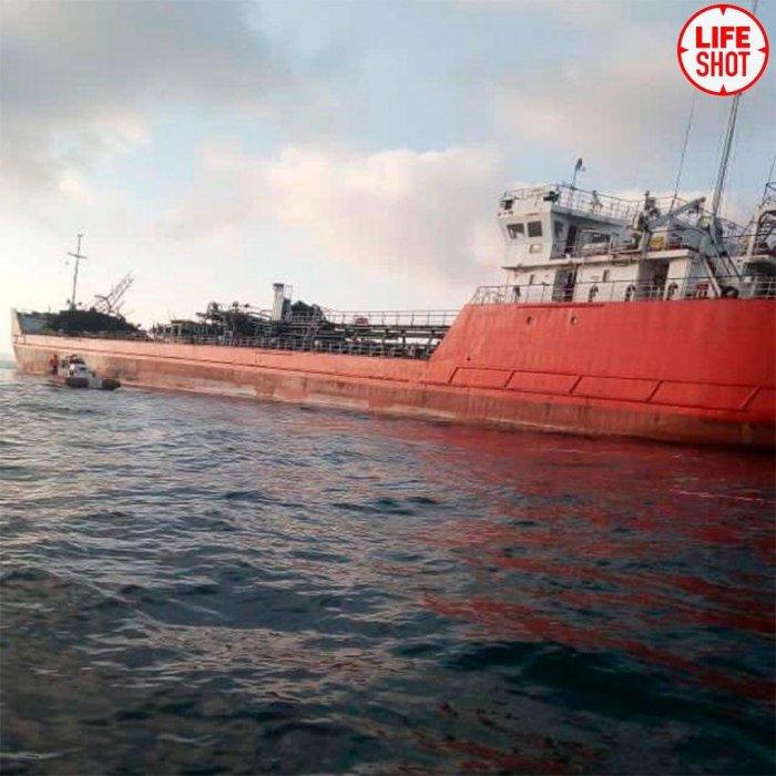 СК возбудил уголовное дело после взрыва на танкере в Азовском море