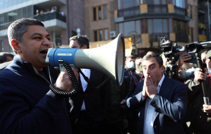 Экс-главу СНБ Армении задержали по обвинению в подготовке убийства Пашиняна