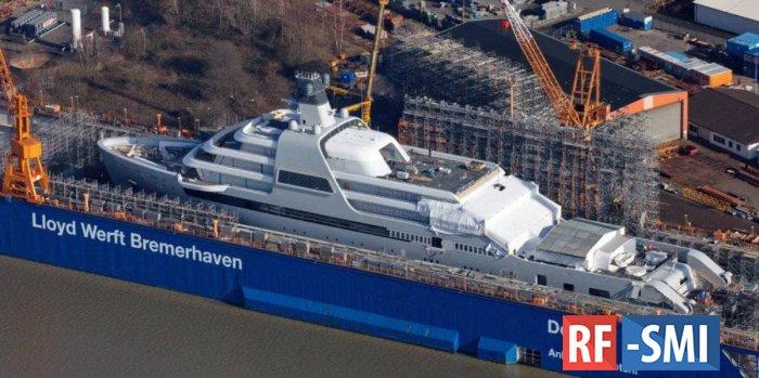 Роман Абрамович строит себе новую яхту за 500 млн долларов