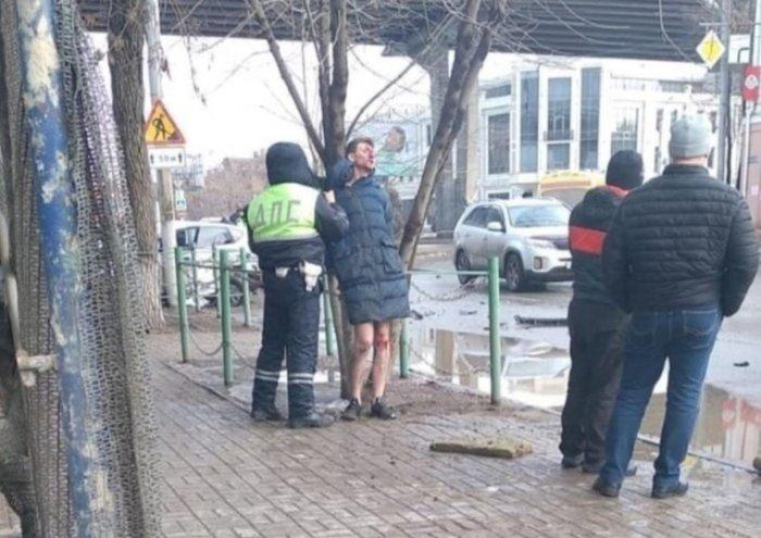 Полуголый пьяный сын российского депутата сбил прокурора с женой