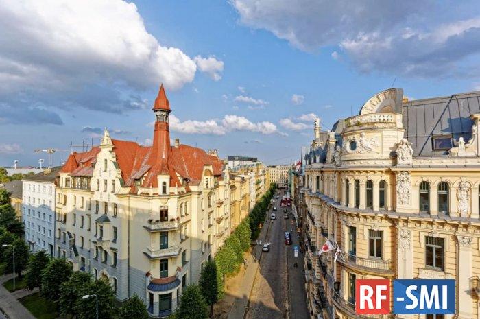 Скорость движения транспорта в центре Риги решили ограничить 30 км/ч.