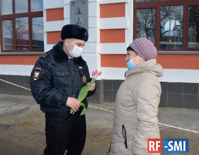 Российская полиция в очередной раз отличилась В этот раз 8 марта)))