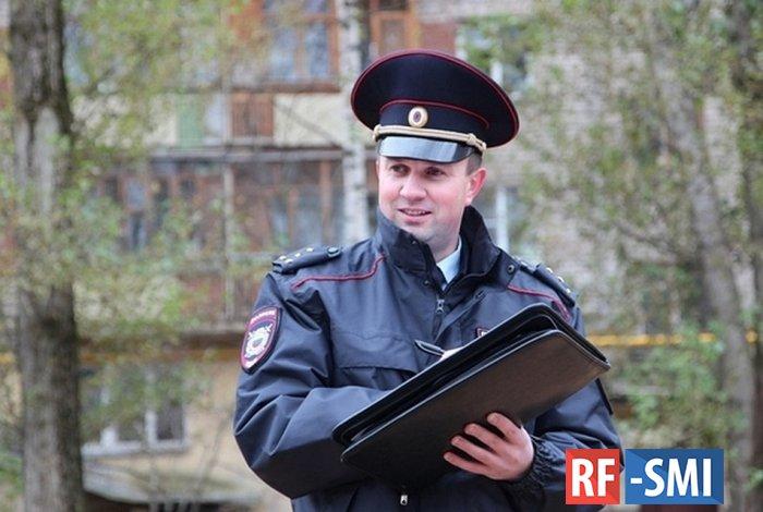 В Коми полицейский пережил нападение благодаря папке с документами