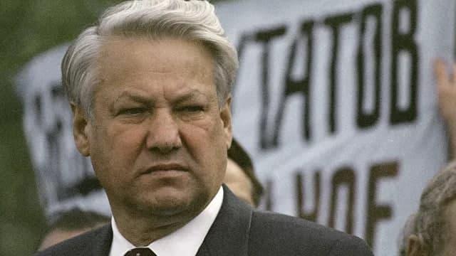 Ельцин отказался присоединять Крым – бывший вице-премьер Михаил Полторанин