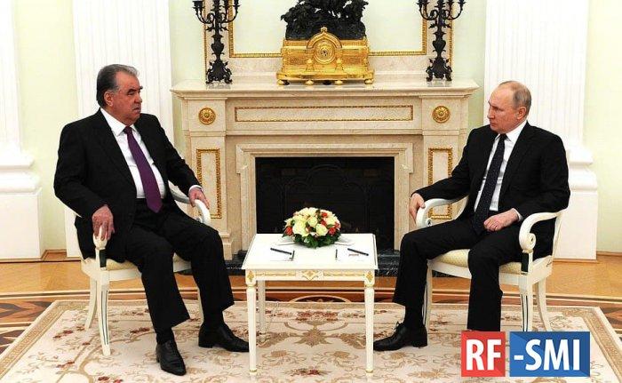 Владимир Путин заявил, что России не хватает таджикских мигрантов