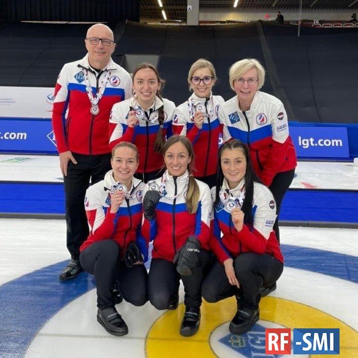 Женская сборная России по кёрлингу заняла второе место на чемпионате мира