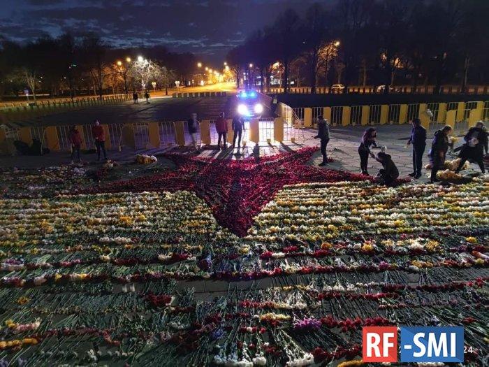 Националисты в Латвии обиделись из-за красной звезды