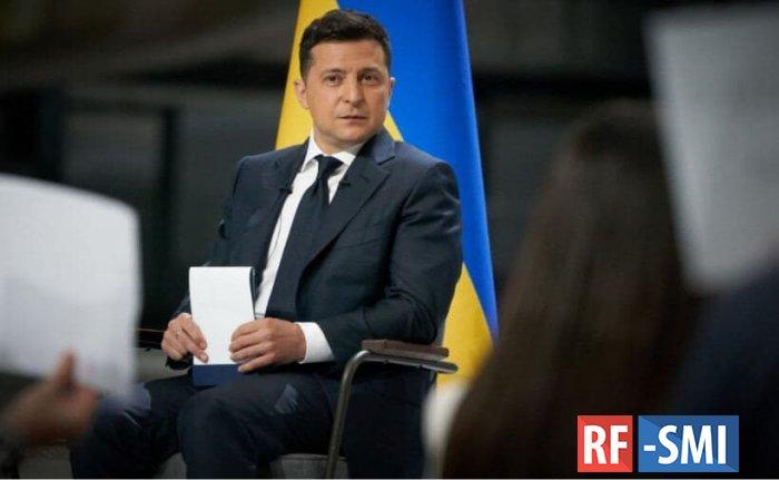 Зеленский подписал закон об аресте за ложь в декларациях