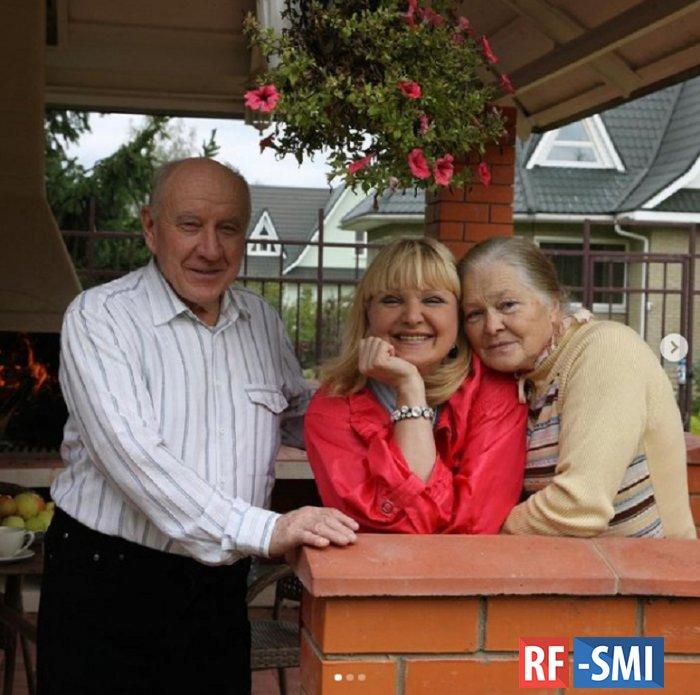 Родители Маргариты Суханкиной умерли от коронавируса