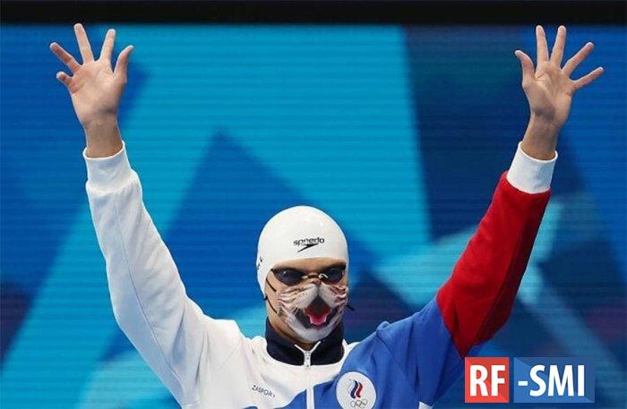 Нашему пловцу Евгению Рылову запретили выйти на награждение в маске с котиком
