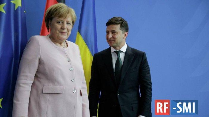 Меркель планирует приехать в Киев 22 августа