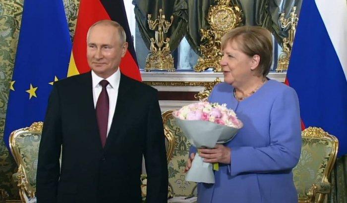 Владимир Путин принимает Ангелу Меркель в Кремле