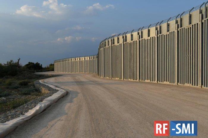 Греция возвела забор для защиты от мигрантов из Афганистана