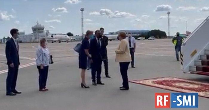 Немецкого журналиста удивил скромный прием Меркель в Киеве