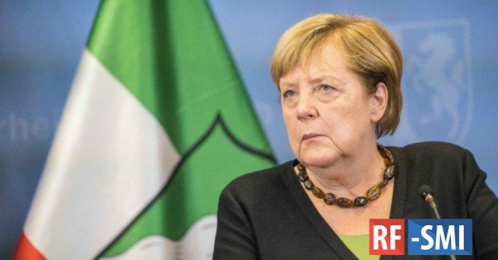 Меркель заявила о необходимости начала переговоров с «Талибаном»
